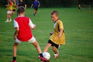 boys-playing-soccer-13-793479-m